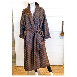 Victoria Cruises Silk Blend Robe Black Red Large